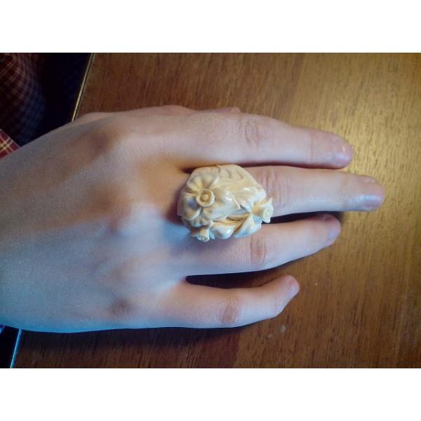 этого кольцо из кости мамонта посуточную